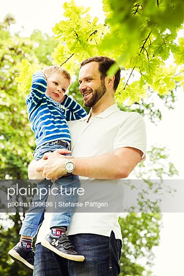 Vater und Sohn - p904m1159696 von Stefanie Neumann
