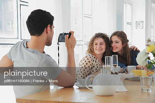 Geburtstagsfoto - p981m1160084 von Franke + Mans