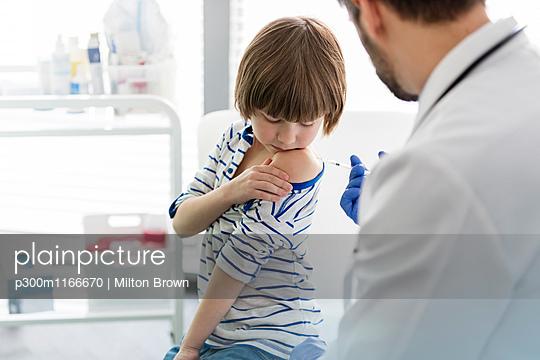 p300m1166670 von Milton Brown