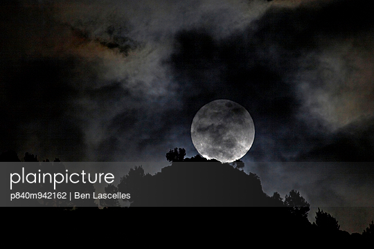 The \'Perigree Super-moon\'. A supermoon is the coincidence of a full moon with the closest approach the Moon makes to the Earth on its elliptical orbitis resulting in it appearing up to 14% larger and 30% brighter than one at its furthest point. Sat 5th Ma