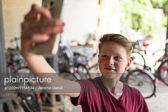 Selfie - p1222m1154534 von Jérome Gerull