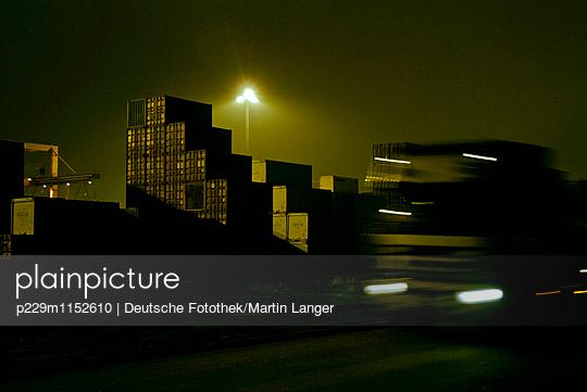 Hamburger Hafen - p229m1152610 von Martin Langer