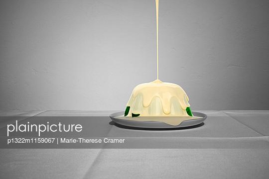 Wackelpudding mit Soße - p1322m1159067 von Marie-Therese Cramer