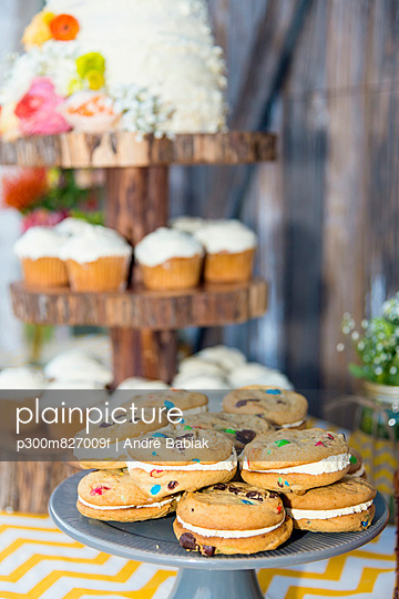Texas, Wedding cake and cookies