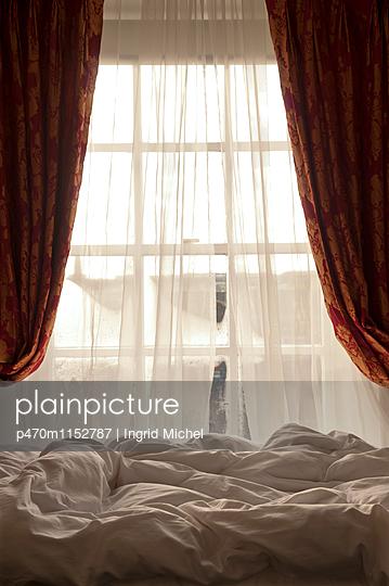 Luxuriöses Hotelzimmer - p470m1152787 von Ingrid Michel
