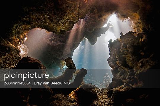 p884m1145354 von Dray van Beeck/ NiS