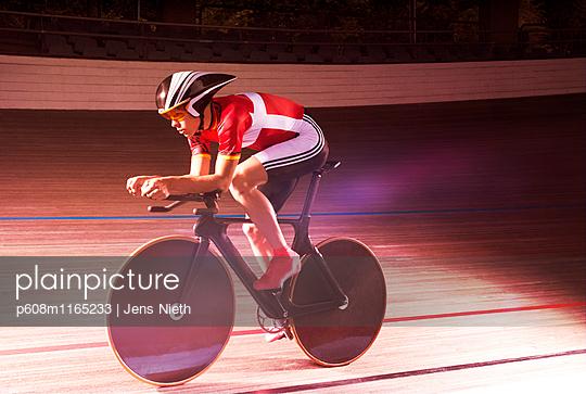 Bahnradfahrer - p608m1165233 von Jens Nieth