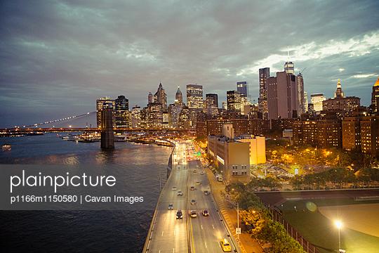 p1166m1150580 von Cavan Images