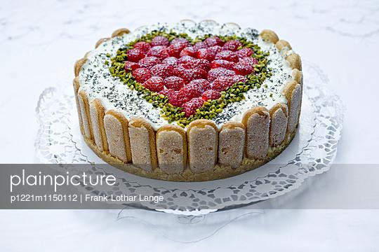 Philadelphia Torte mit Erdbeeren - p1221m1150112 von Frank Lothar Lange