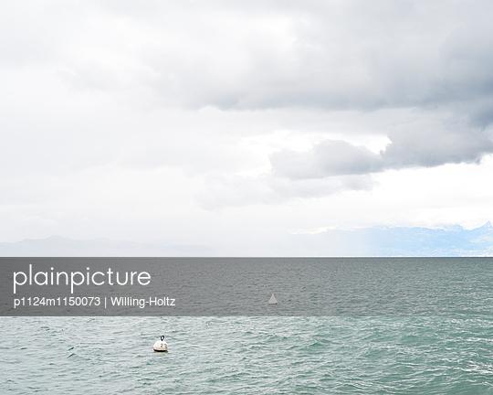 Bedeckter Himmel am Genfer See - p1124m1150073 von Willing-Holtz