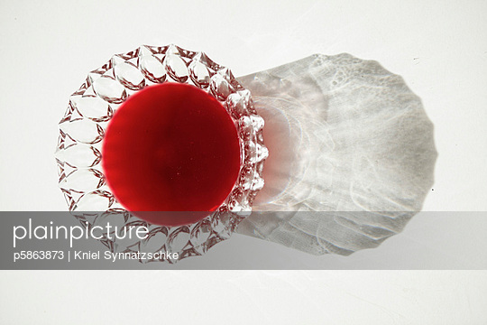Red dessert