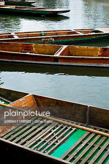 Boote - p989m1168982 von Gine Seitz