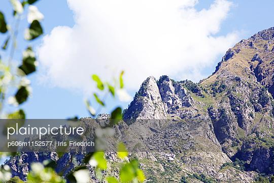 Berglandschaft - p606m1152577 von Iris Friedrich
