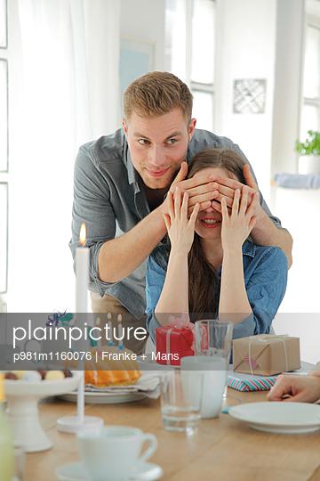 Achtung Fertig Los - p981m1160076 von Franke + Mans
