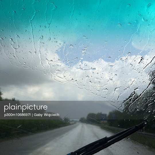 Rain on windscreen