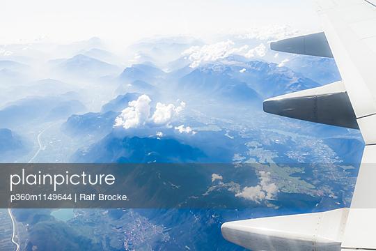 Über den Wolken - p360m1149644 von Ralf Brocke