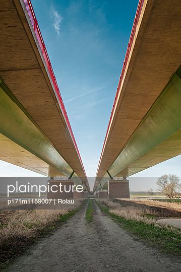 Autobahnbrücke über die Elbe - p171m1159007 von Rolau