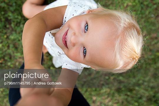 Sommerwiese - p796m1145795 von Andrea Gottowik