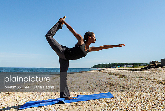 Yoga at the beach III