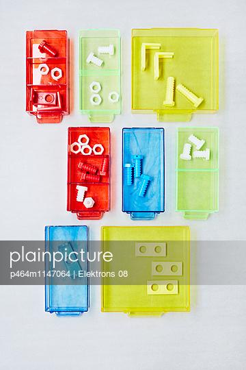 Schubladen - p464m1147064 von Elektrons 08