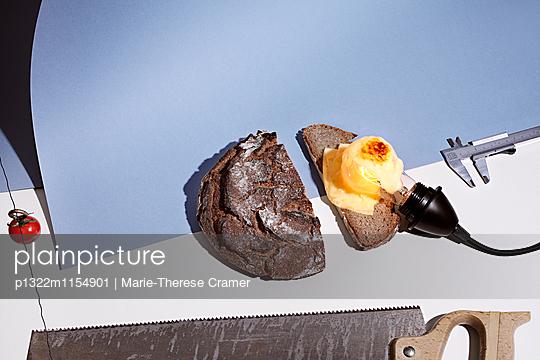 Werkstattküche - Brot - p1322m1154901 von Marie-Therese Cramer
