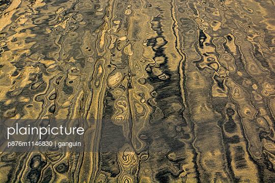 sand_schwarz gelb_01 - p876m1146830 von ganguin