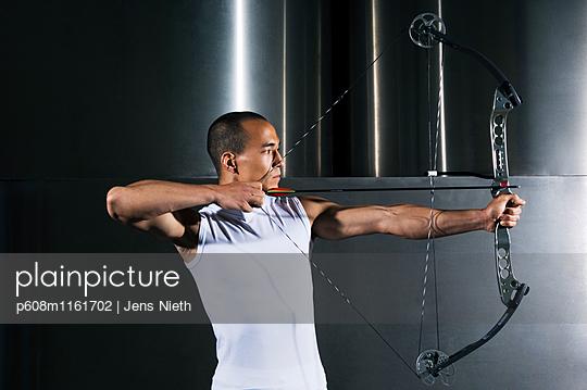 Bogenschießen - p608m1161702 von Jens Nieth