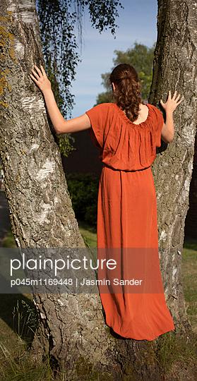 Baum-Romantik - p045m1169448 von Jasmin Sander
