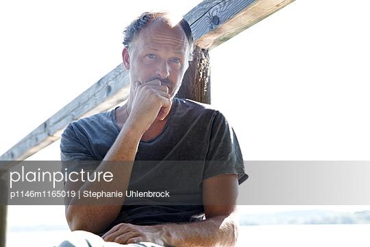 Portrait von einem Mann - p1146m1165019 von Stephanie Uhlenbrock