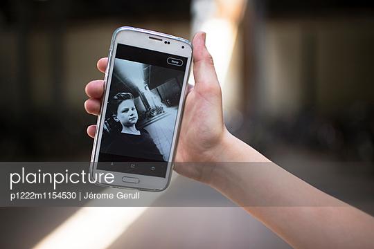Selfie - p1222m1154530 von Jérome Gerull