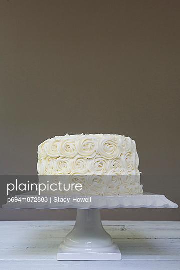Wedding Cake with Vanilla Frosting