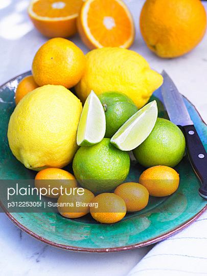 Assortment of citrus fruits