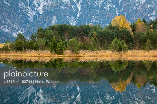 Luttensee, bei Mittenwald, Bayern, Deutschland - p1316m1160744 von Heinz Wohner
