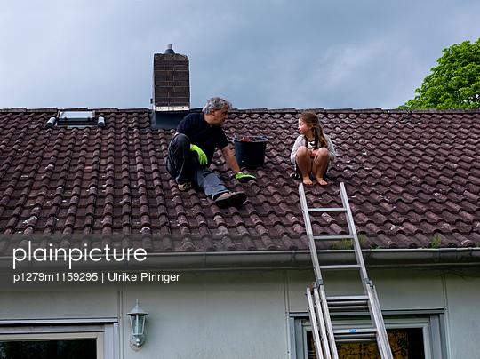 Dachbegehung - p1279m1159295 von Ulrike Piringer