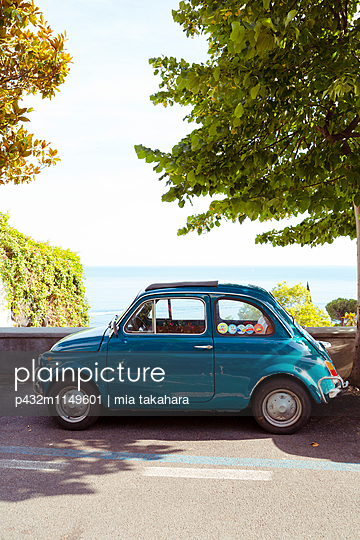 Fiat 500 in Positano - p432m1149601 von mia takahara