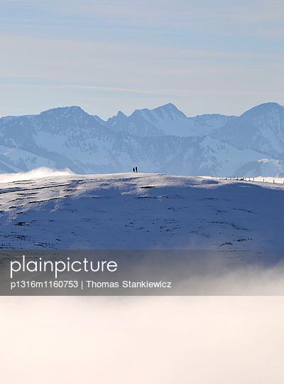 am Wandberg über Kaiserwinkl, Winter in Tirol, Österreich - p1316m1160753 von Thomas Stankiewicz