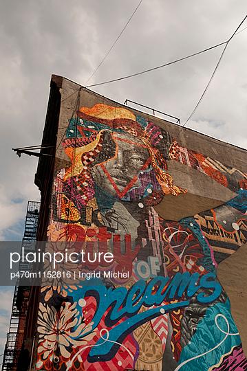 Graffiti in New York - p470m1152816 von Ingrid Michel