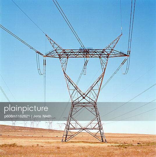 Strommast - p608m1162621 von Jens Nieth