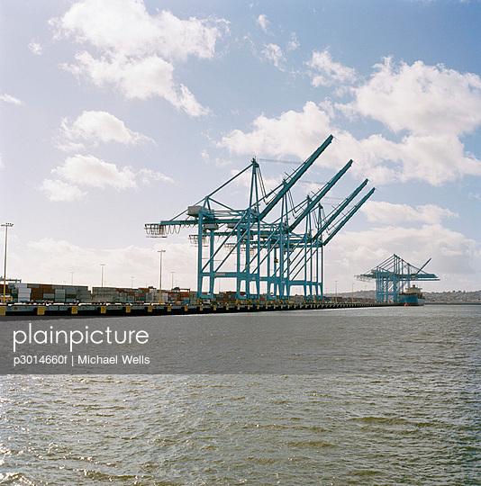 Heavy cranes on commercial dock