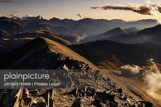 Wandern auf dem Plateau d'Emparis - p910m1159406 von Philippe Lesprit