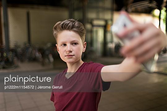 Selfie - p1222m1154572 von Jérome Gerull