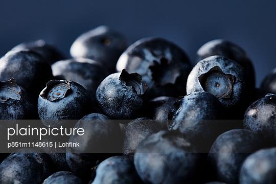Blaubeeren Nahaufnahme - p851m1148615 von Lohfink