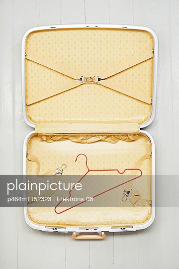 Koffer packen - p464m1152323 von Elektrons 08