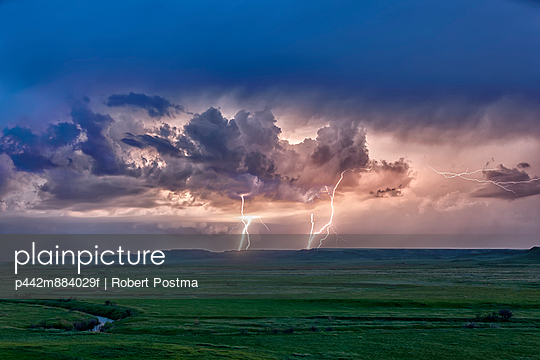 Storm with lightning over the Frenchman River Valley, Grasslands National Park
