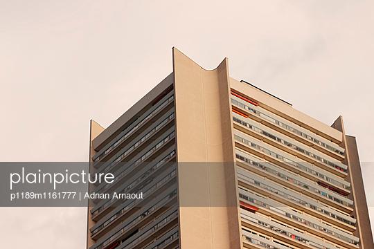 Hochhaus - p1189m1161777 von Adnan Arnaout