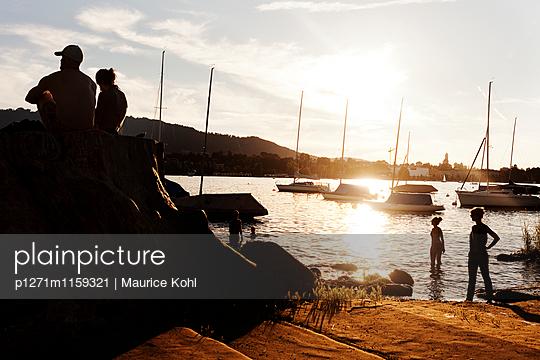 Abend am See - p1271m1159321 von Maurice Kohl