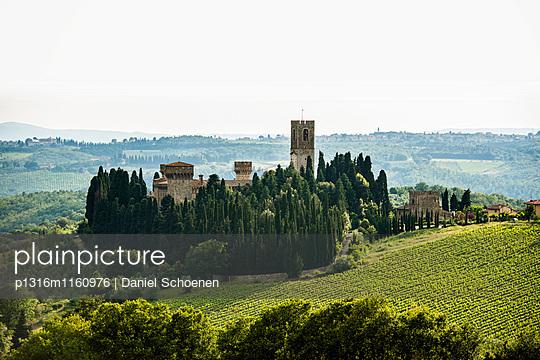 Badia di Passignano, bei Greve, Chianti, Toskana, Italien - p1316m1160976 von Daniel Schoenen