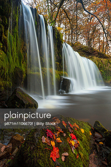 Sqwd Ddwli Waterfall, near Pontneddfechan, Afon Pyrddin, Powys, Brecon Beacons National Park, Wales, United Kingdom, Europe