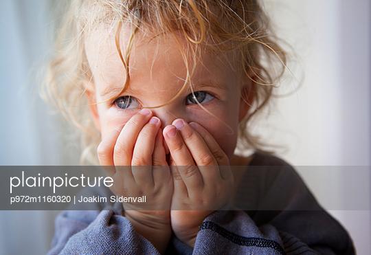Kleines Mädchen, Porträt - p972m1160320 von Joakim Sidenvall