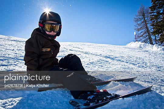 Child in ski slope